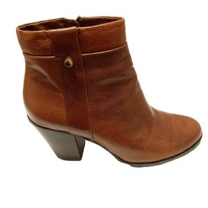 BASS BANDOLINO Brown Leather Booties